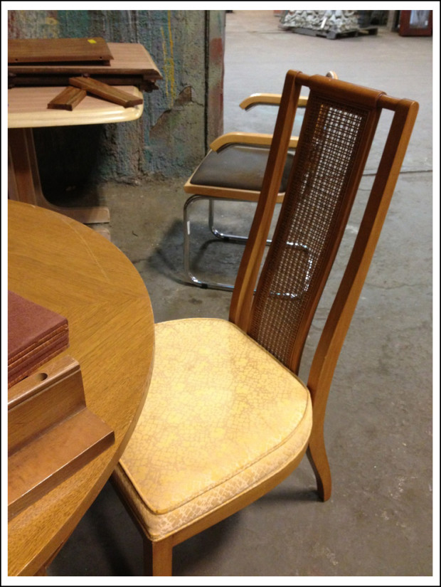Table and 4 chairs with a 2 or 3 leaves for $215.