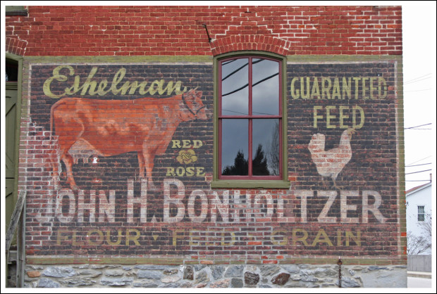 I just love the mural on this barn.