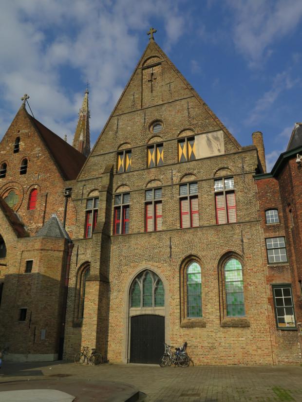 Bruges 330