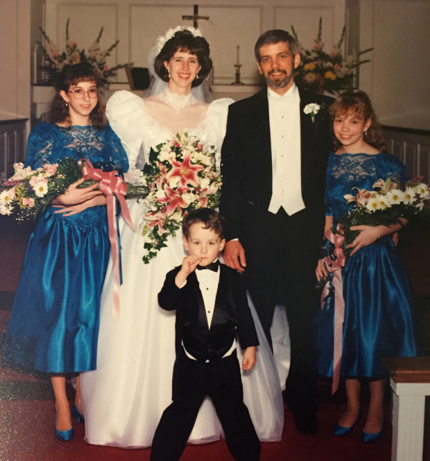 family_wedding_pic