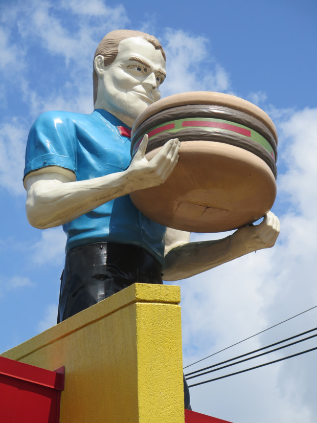 Hamburger-wielding Muffler Man in Kingsport, Tennessee